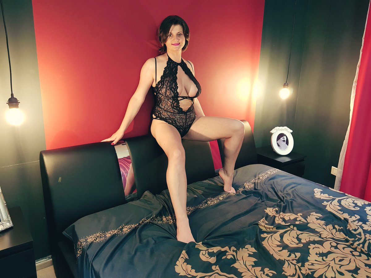 🔞🔞🔞 #RT            🔞🔞🔞 🔞🔞🔞 #FOLLOW   🔞🔞🔞 🔞🔞🔞 @NatashaVega_xo 🔞🔞🔞  🔞  In Less then a 60 minutes she will be LIVE !!! come see this #sexy hot #camgirl in action and enjoy every second this is a show you don't wanna miss