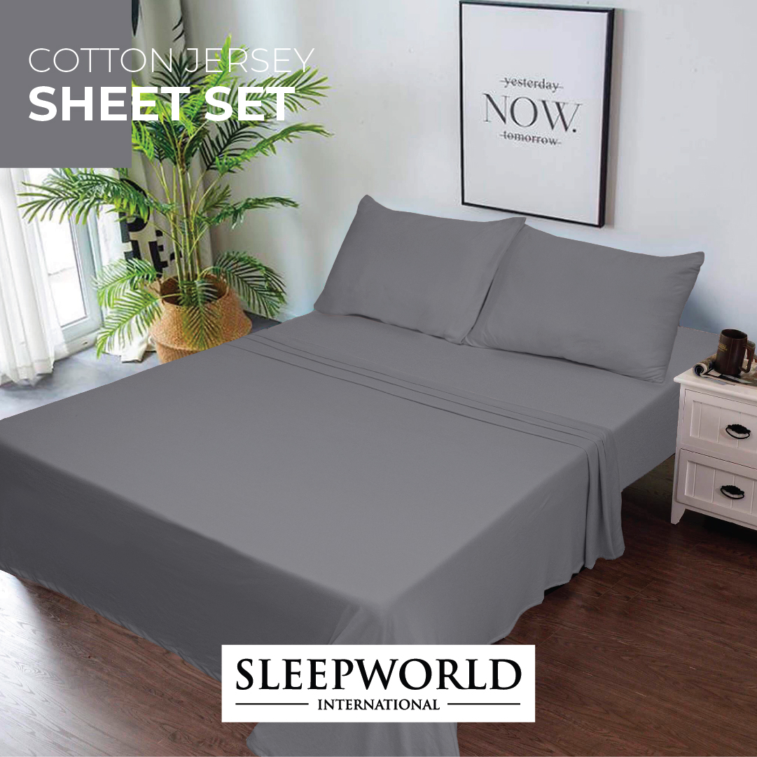 The perfect blend of comfort and class lies in simplicity. Shop the look now:   #sleepworld #bedding #homedecor #bedroomdecor #bedroom #bedsheets #bed #beddingset #luxurybedding #bedsheet #decor #cotton #sleep #pillows #luxury #beddings #organiccotton