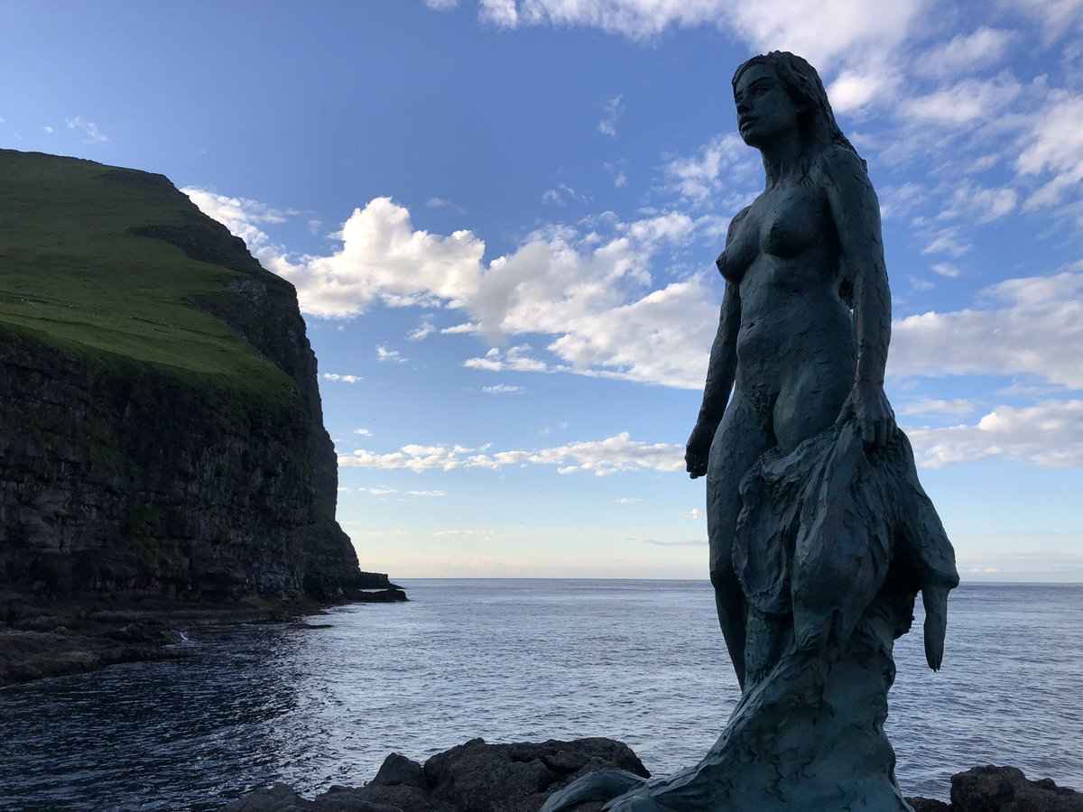 The Legend of the #Seal #Woman in the #FaroeIslands ...   On the eve of Three Kings, seal people gather on the shore in the Faroes. They shed their sealskins, become human again & dance all night. Before the sun rises, they slip back into their skins & disappear into the ocean...