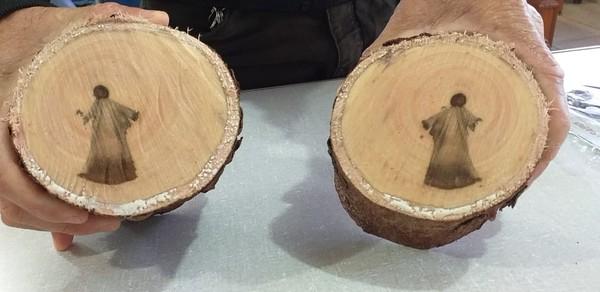 'Imagem de Jesus' que aparece em tronco de árvore após poda intriga operários em Mato Grosso do Sul  #G1