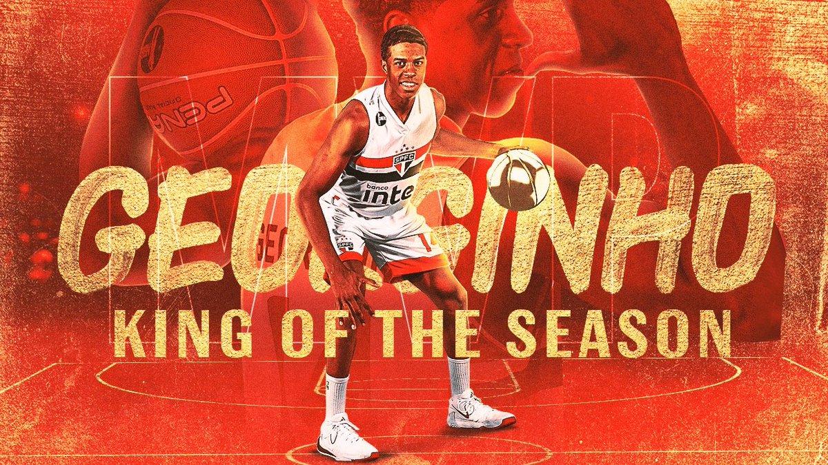 KING OF THE SEASON 👑🇾🇪  Com médias ABSURDAS de 15,5 pontos, 8,7 rebotes e 7,5 assistências pelo @SaoPauloFC, Georginho é o MVP do #NBB 2019/20, prêmio oferecido pela @Budweiser_Br. #MelhoresNBB 🏆