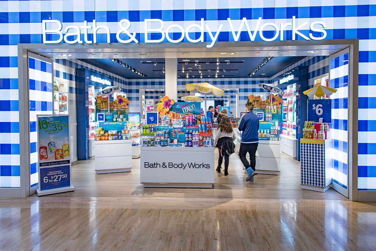 WATCH: Bath And Body Works Manager Says 'F*** Donald Trump' To Man 'Simply For Wearing A Trump Face Mask'