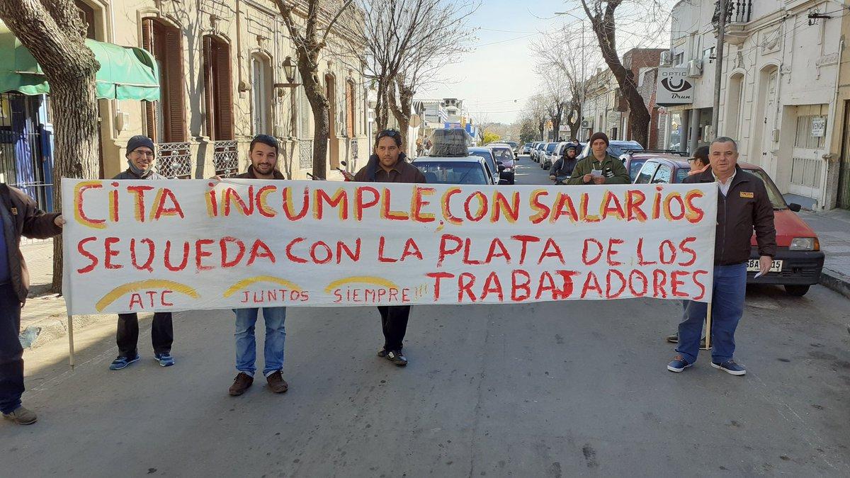 Hoy voy a llegar complicado de tiempo al @DeporUruguay , pero ese es mi problema, y no el de los compañeros trabajadores de la #Cita que están parando por incumplimientos, y rebajas salariales de sus empleadores,CITA. Solidaridad con los compañeros trabajadores.