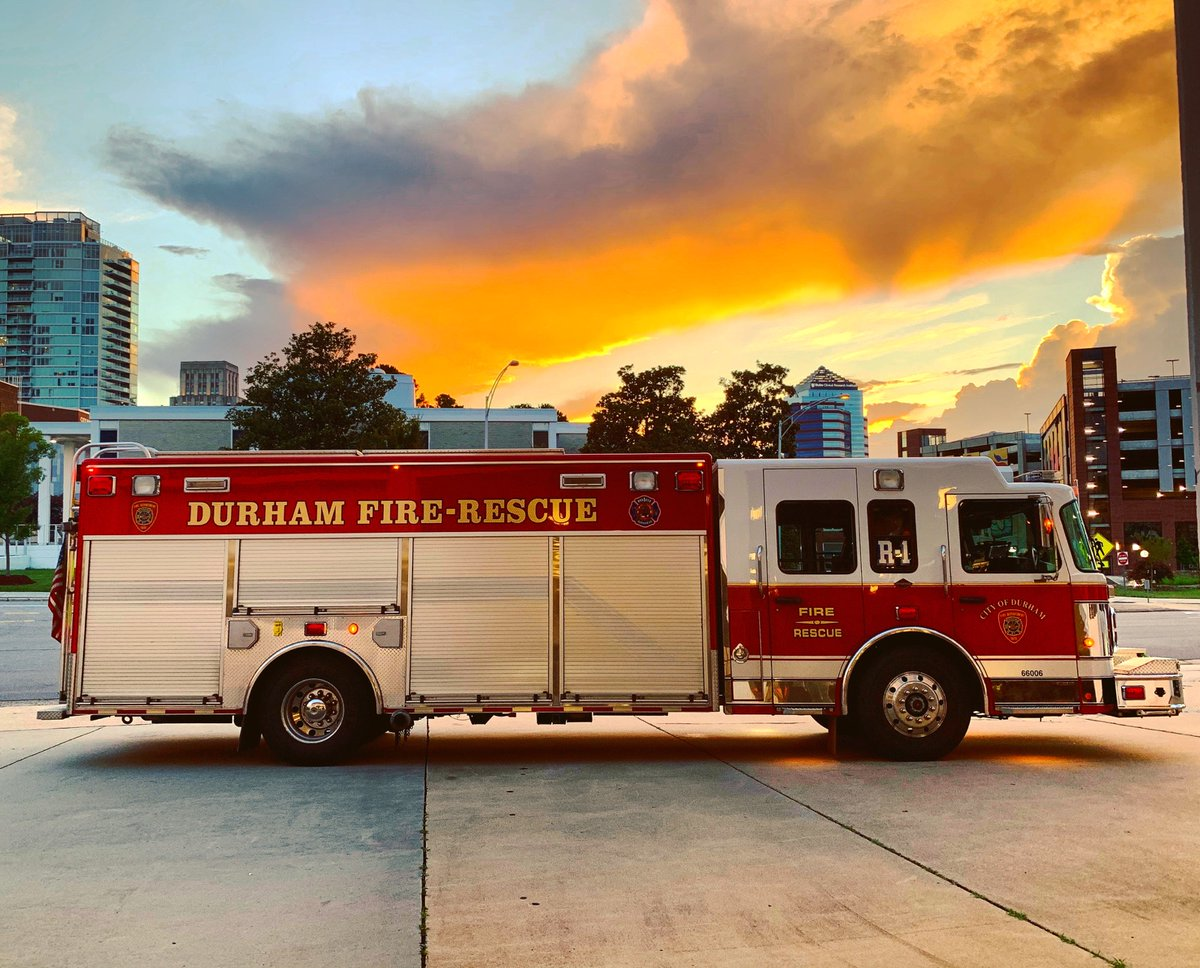 The sun never seems to set on the work of the fire service.  But when it does in #Durham -it's pretty spectacular. #bestjobieverhad