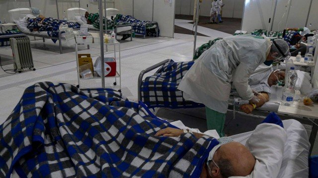 Total de casos da Covid-19 sobe para 1,840 milhão no Brasil. Mortes superam 71,5 mil.