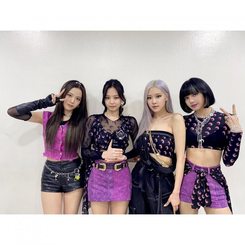 200712 blackpink instagram  and another grateful moment at Inkigayo💕 Thank you all so much for making our weekend so full of love and happiness🖤🙏  #블랙핑크 #BLACKPINK #HOWYOULIKETHAT @ygofficialblink @BLACKPINK