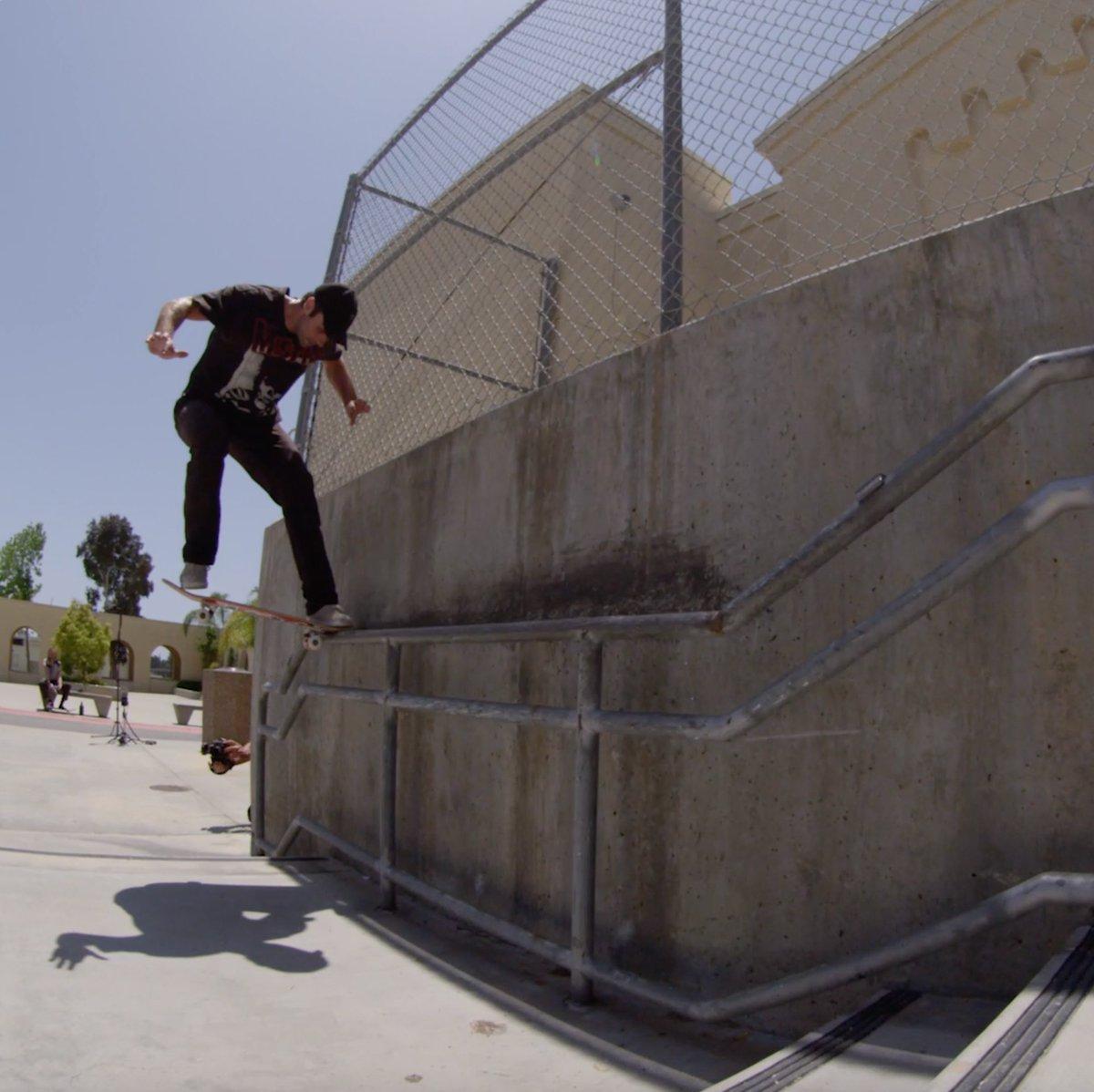 Keeping it low-key, rippin' the streets of Huntington Beach w/@mattberger_ 💥  #Skate #Skateboarding #Skateboard #MonsterEnergy