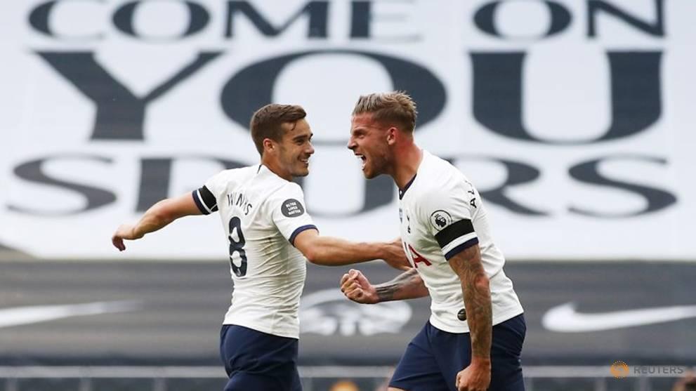Alderweireld seals Tottenham victory over Arsenal