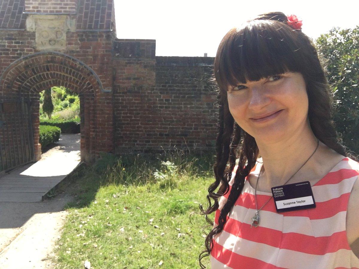 Enjoyed a beautiful sunny Sunday morning @Fulham_Palace with my buddy Edmund! 🐾 Beautiful gardens and wonderful team of staff and volunteers! 🌻🌼🌸🌺🌿🥒🥬🥝🍅#volunteers #volunteering #joy #gratitude