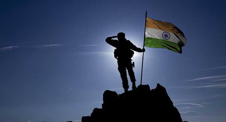 Real heroes don't have a name on the back of their jerseys. They wear their country's flag! #KargilVijayDiwas