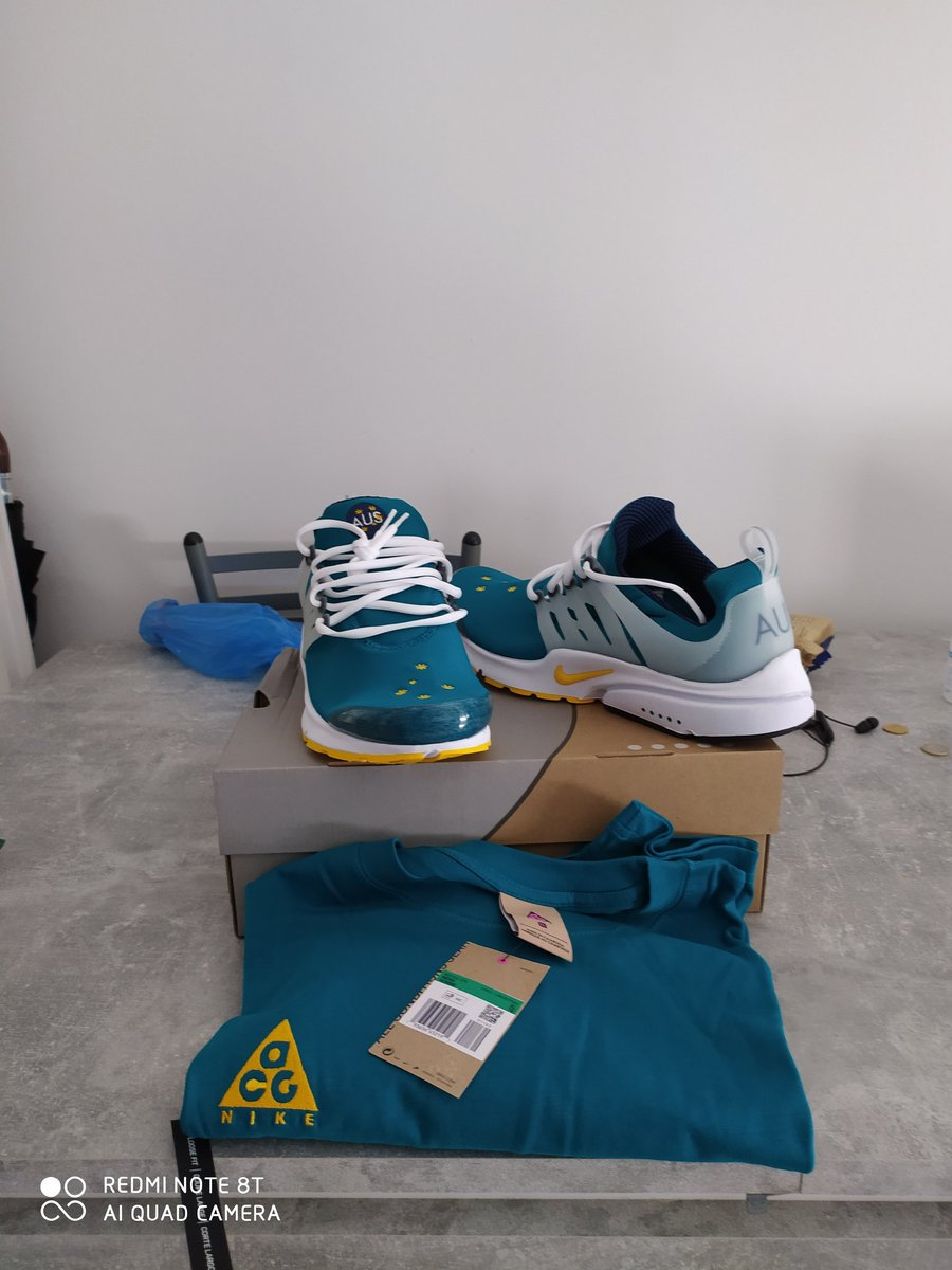 Nouvelle acquisitions.  Nike air Presto Australie avec le t-shirt de haute gamme Nike ACG @GeeksandVape @Louffy086 @MK_RZA
