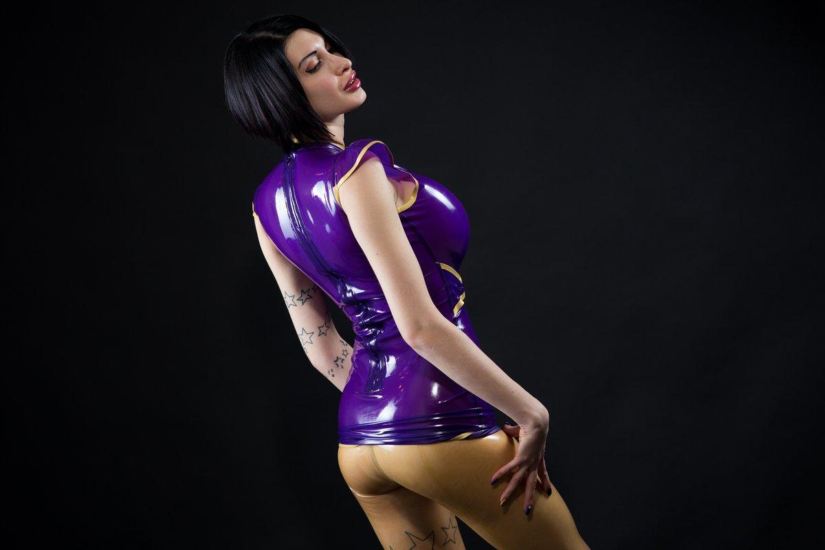 Do you like translucent latex leggings? /  #biglips #fetish #fetishmodel #fetishlover #latex #latexbabe #latexgirl #latexlover #rubberbabe #latexdoll #bigboobs #nudeart #art #butt #bubblebutt #latexass #niceass #translucentlatex