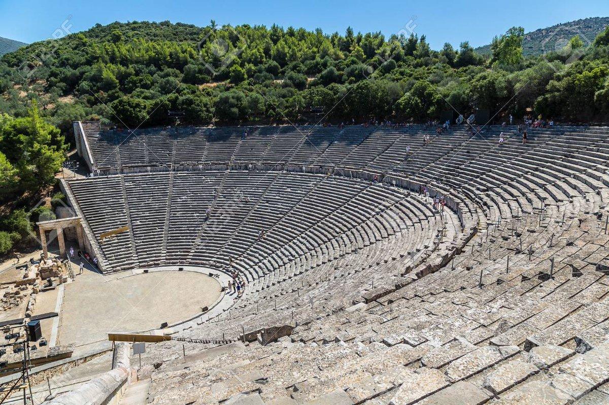 Samedi 25 juillet, le Théâtre National Grec jouera « Les Perses» d'Eschyle en direct de l'antique théâtre d'Épidaure. Grec sous-titré anglais, à vos bouquins !  Un moment à ne manquer sous aucun prétexte ! ⤵️    Merci à @bsaLille3 pour l'information