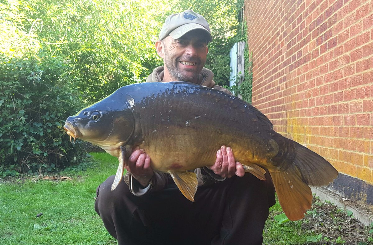 You wait all night a 2 come along in the <b>Morning</b> #carpfishing https://t.co/S2qt8swCce