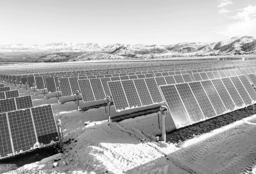 Le mix énergétique décarboné nous permet de valoriser le potentiel énergétique renouvelable des territoires au niveau local & national.  Découvrez nos projets dont la centrale solaire de Quilapilún au Chili, dans notre rapport climat☀️  #EiffageForClimate