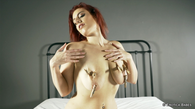 """I just added a new video! """"Ellie Roe nipple pegs and bouncing boobs"""" to @ap_clips! Check it out:  #apclips"""