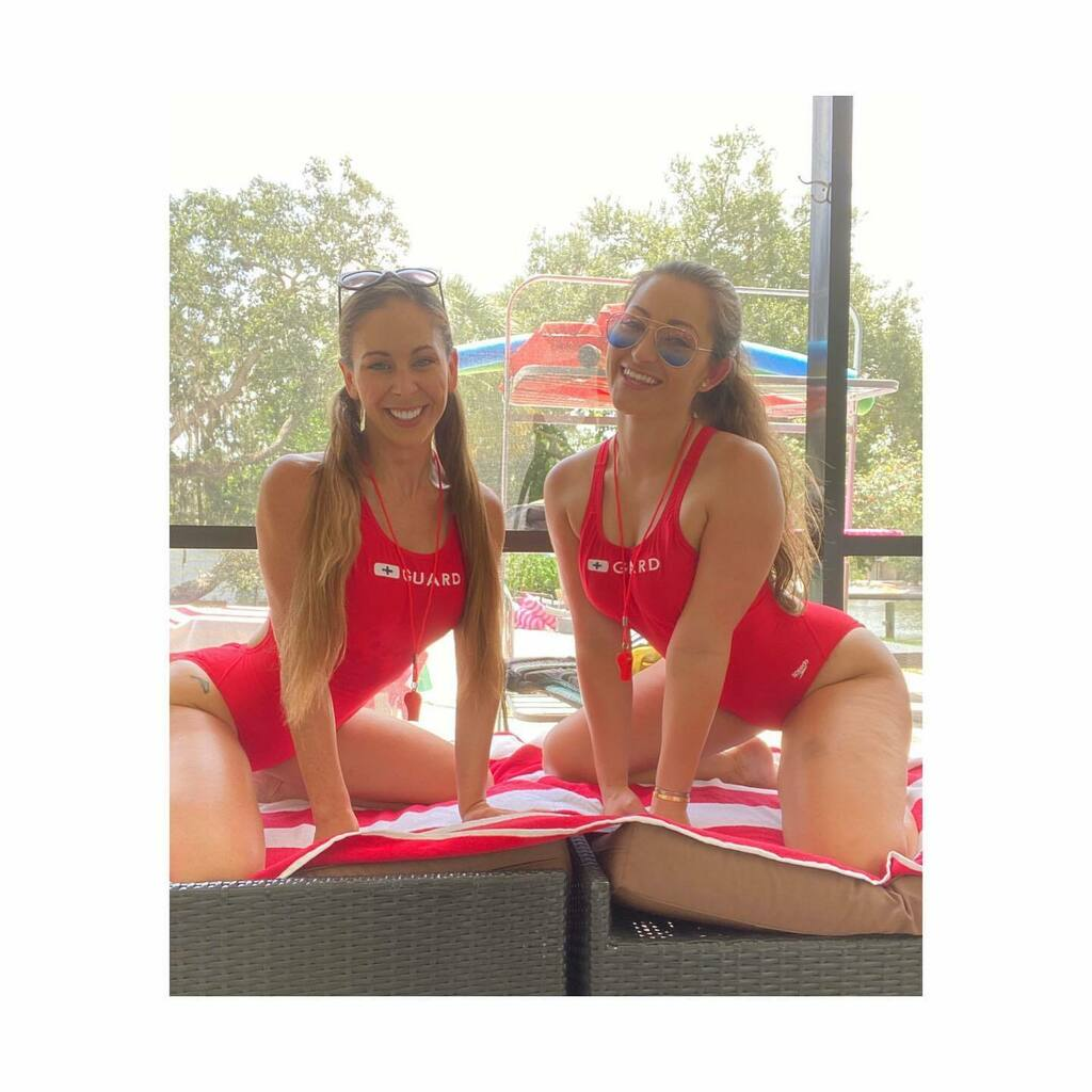 Make sure you head to my Onlyfans and see this amazing lifeguard vid with @cheriedevillexo !!! 💕