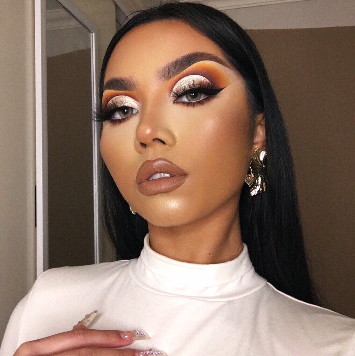 Your classic cut crease glam 🥮