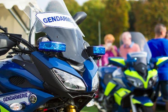 [📣Avisauxusagersqui emprunteront l'autoroute #A31 le #samedi 25 juillet]  De 9h à 14h, les gendarmes des Vosges vous accueilleront sur l'aire de Saudaucourt «La Trelle» dans le cadre d'une opération de sensibilisation menée en partenariat avec la DDT88et APRR. 🛣
