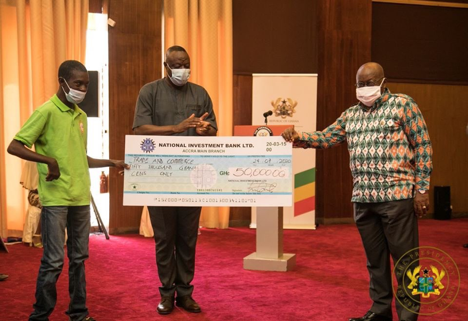 On Friday, 24th July, 2020, I presented GH¢2 million to one thousand (1,000) disabled men entrepreneurs, under the Ministry of Business Development's Presidential Empowerment for Male Entrepreneurs with Disability (PEMED). 1/3