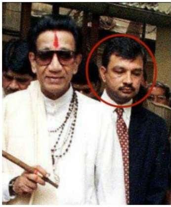 Who is Sponsoring Rhea ? Rhea hires big shot lawyer Satish Maneshinde who represented Sanjay Dutt in 1993 Mumbai blast case.  Also Lawyer of Thackeray family.  What is Maha gov upto?  #SSRKilledOn14June #RealHeroArnab #RepublicForSushant @Republic_Bharat @arnabofficial7 @republic