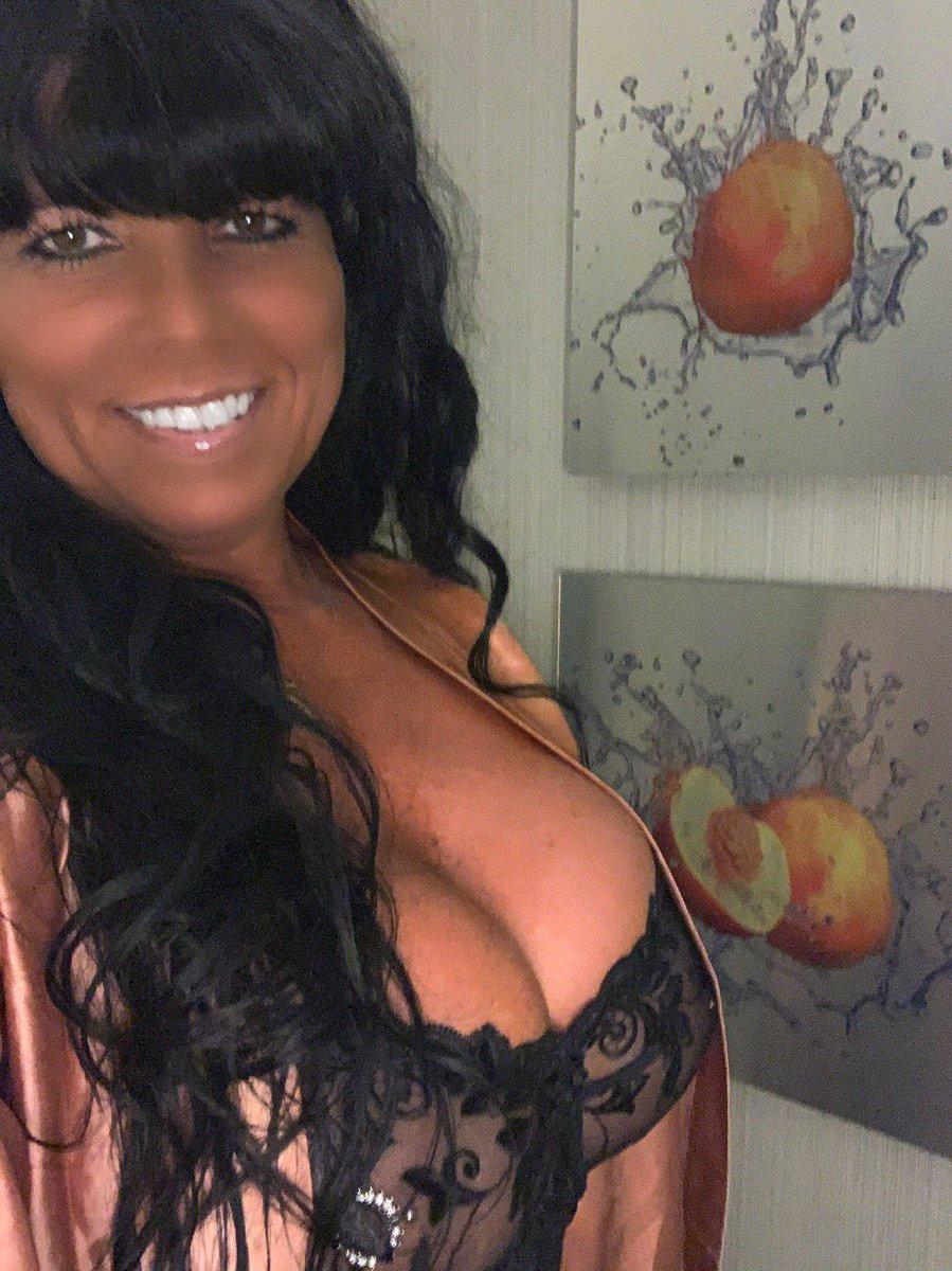 Bringing some Georgia peaches 🍑 to Washington DC 8-17 thru 19  and to Tyson Corner VA 8-20 thru 22 ❤️ taking pre booking now.... see y'all soon😘 RT ❤️ thank y'all 💋