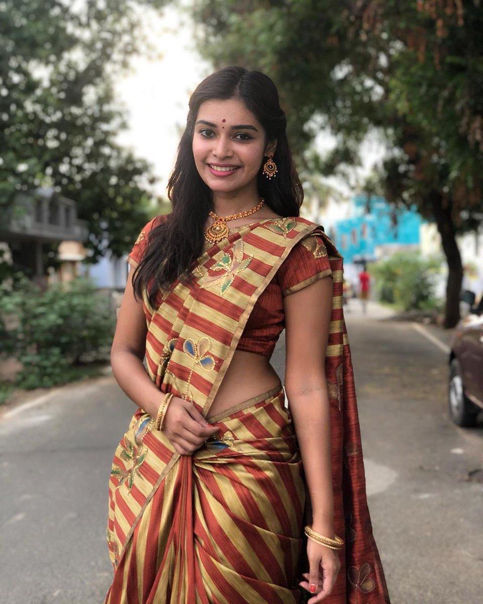 தங்கத்தேர் ❤️ @DharshaGupta  #dharshagupta #actress #WeLoveDharsha