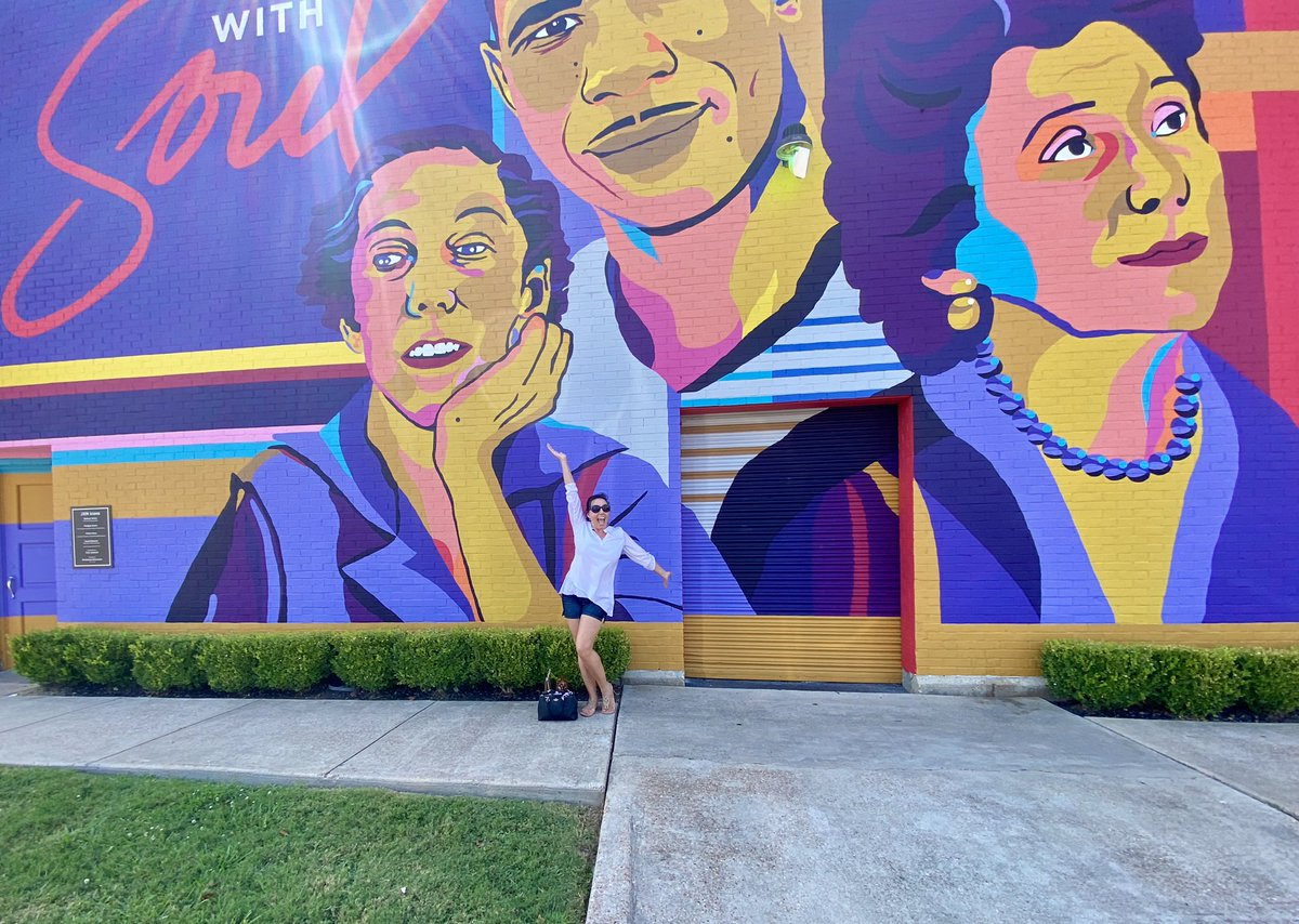 RT @Bradshawgirl: Public art in @VisitJacksonMS and ice cream at @SalAndMookies! Starting the weekend off right!
