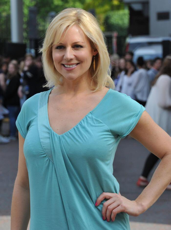 Abi Titmuss going on live TV in a sexy little dress... 🔥🔥🔥🔥🔥🔥🔥🔥🔥🔥