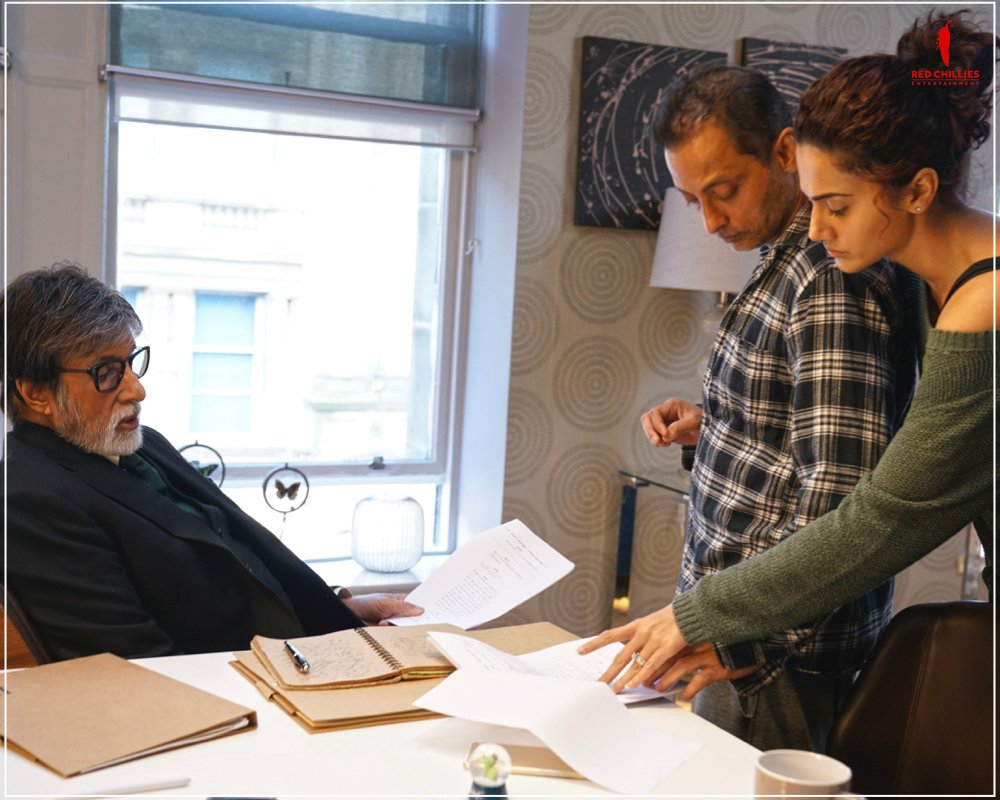 One scene at a time. One page at a time. One line at a time. Together, they all looked for perfection! 😎  @SrBachchan @taapsee @sujoy_g  #Badla #BehindTheScenes
