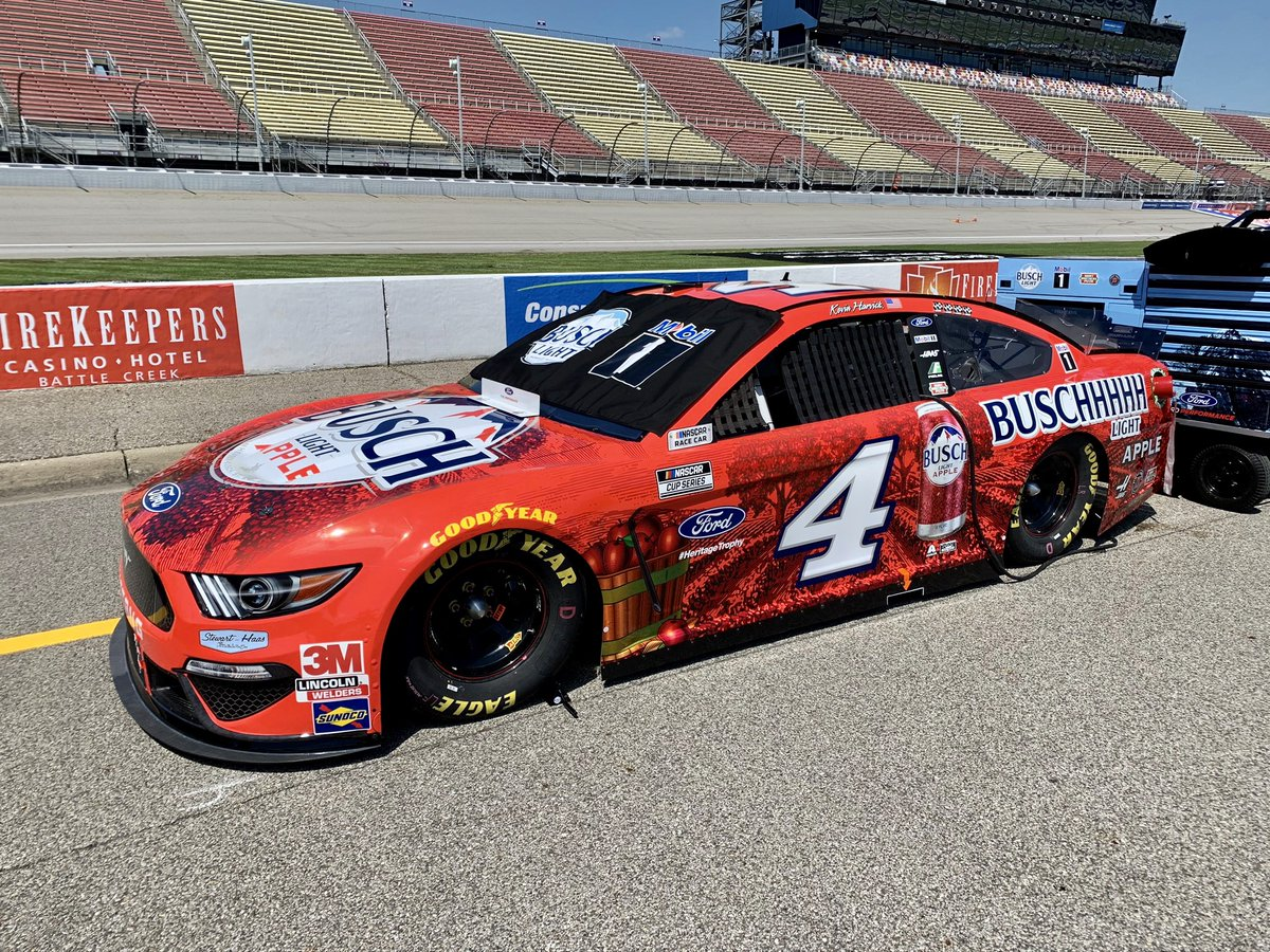 .@KevinHarvick has three career #NASCAR Cup Series wins at @MISpeedway. The No. 4 #BuschLightApple Ford Mustang rolls off third in today's #FireKeepersCasino400 . Watch him go #4TheWin at 4 p.m. ET on NBCSN!     @BuschBeer // #SHRacing