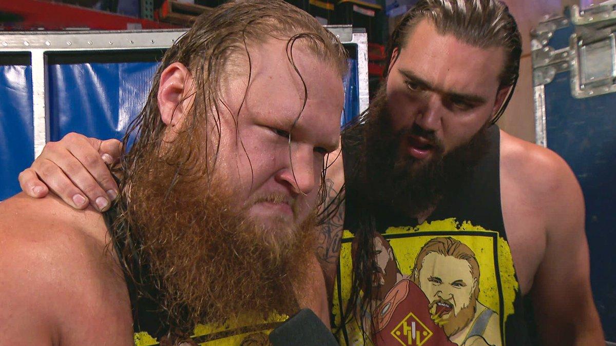 .@otiswwe won't stand for ANYONE disrespecting his beautiful 🍑 @WWE_MandyRose! #SmackDown @tuckerwwe