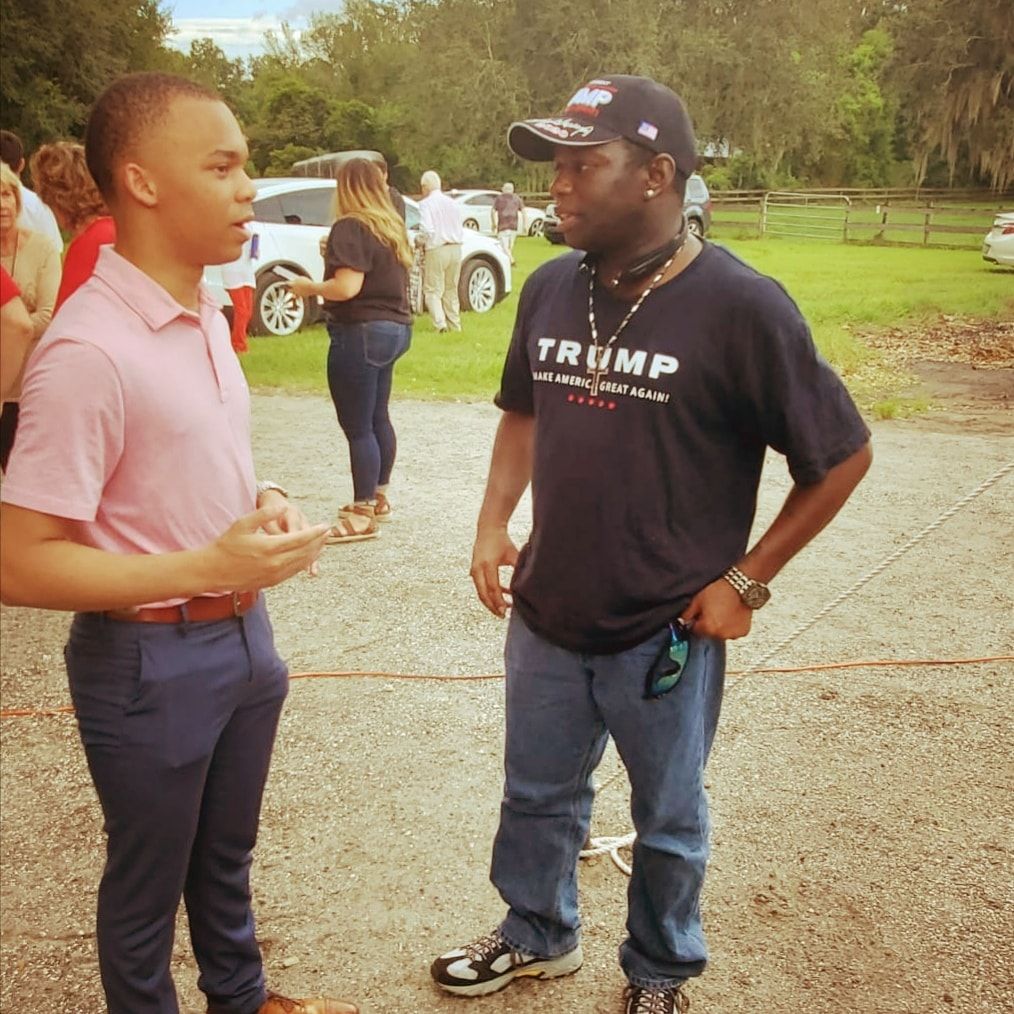 Getting acquainted with @thecjpearson, encouraging each other on the hate black Conservatives get. We both serve Jesus, and just as He was hated on for doing the right thing, so will we in the same light. But we're gonna keep up the fight! 💪🇺🇸  #Trump2020 #GodBlessAmerica