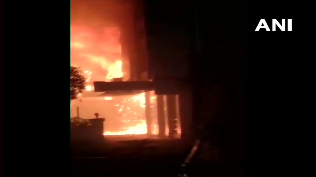 Fire breaks out at a hotel that was being used as makeshift #COVID hospital in #Vijayawada. 7 people have died in the incident and 30 have been rescued. Rescue operations are underway.  | Follow LIVE updates on #Coronavirus