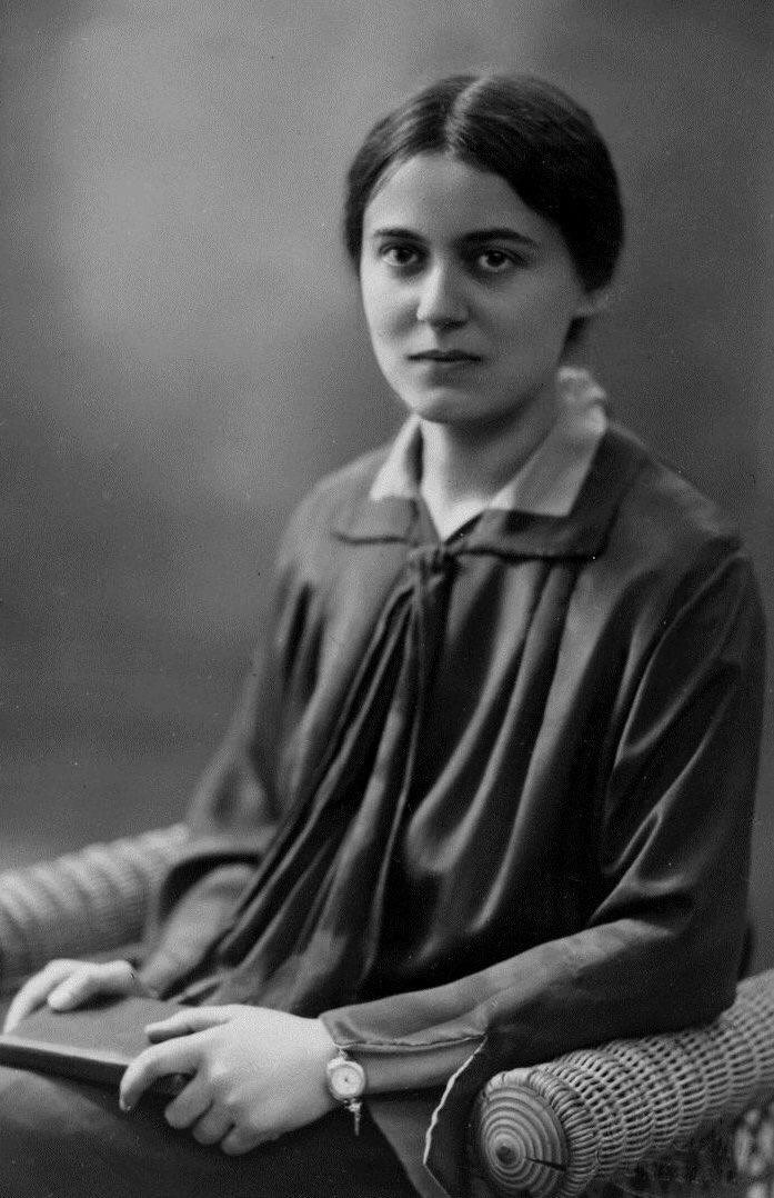 9 August 1942 | Edith Stein, St. Teresa Benedicta of the Cross, Discalced Carmelite nun #OCD, patron of #Europe, was murdered in a gas chamber of the German Nazi #Auschwitz II-Birkenau camp. #EdithStein #carmelites