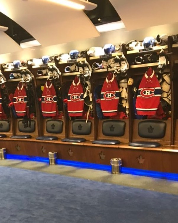 The Leafs are visitors in their own arena for tonight's exhibition match, meaning it's all Habs jerseys in the Leafs' regular dressing room  2020 is... weird   (via @NHLHubLife)