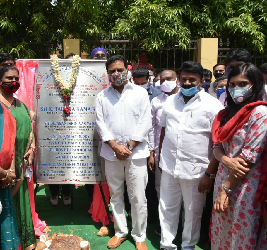 Ministers @KTRTRS and @YadavTalasani laid the foundation stone for a four-lane Road under Bridge (RUB) from the Industrial Area in Sanathnagar to the Industrial area in Balanagar. The structure will be constructed at a cost of Rs.68.30 crore.