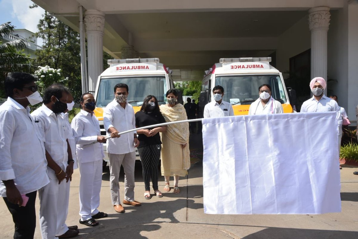 Happy to contribute 6 vehicles which will initially serve as 'Covid Response Vehicles' & subsequently as ambulances to the health dept through Hon'ble Health Minister @Eatala_Rajender Garu  This is my contribution in personal capacity as announced last week  #GiftASmile