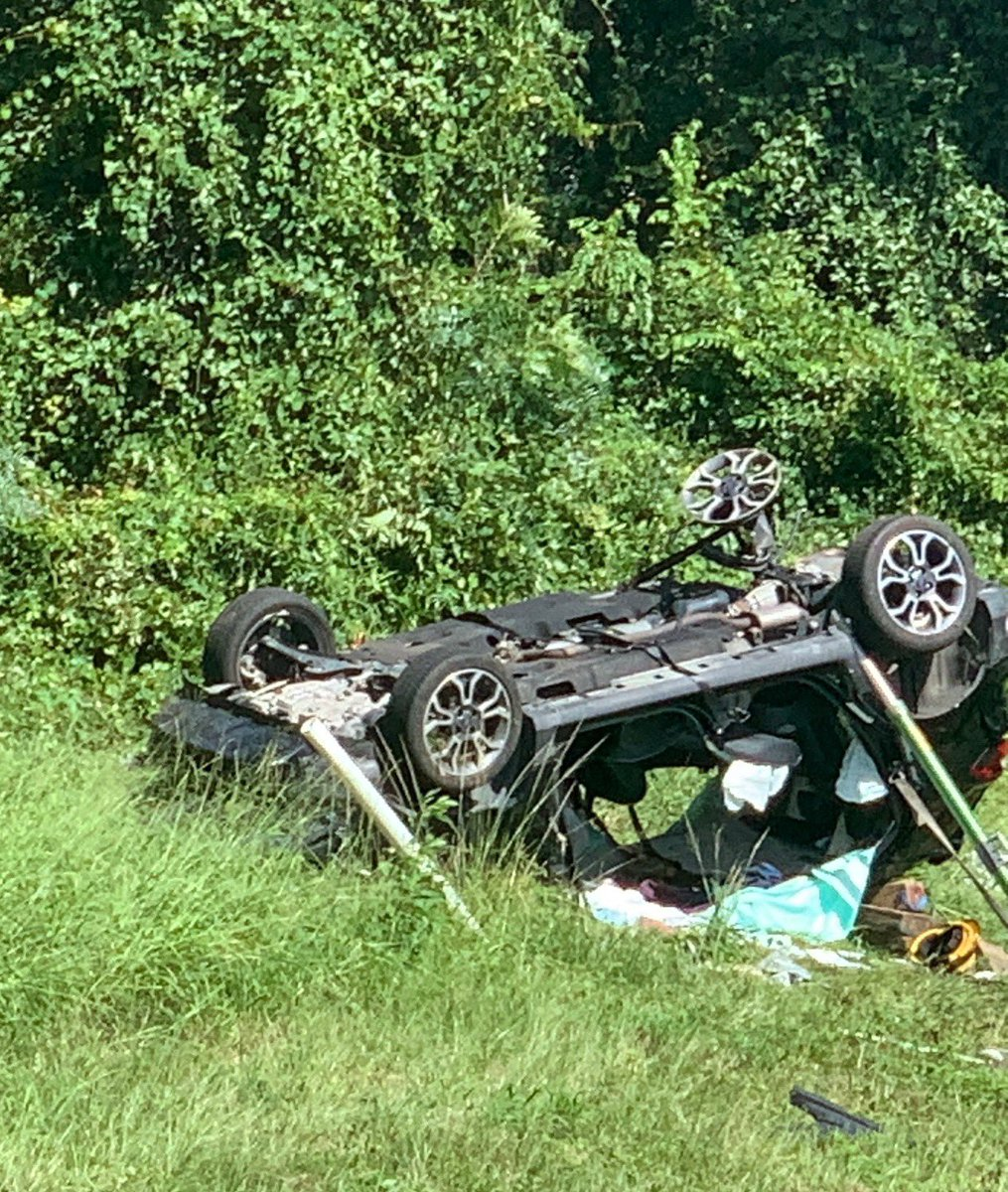 Update to the I-75 crash. All patients have been extricated from the vehicles, stabilized, and transported for further treatment. The cause of the accident is under investigation by FHP. @GFR1882 would like to remind everyone to drive safe this weekend as the weather worsens.