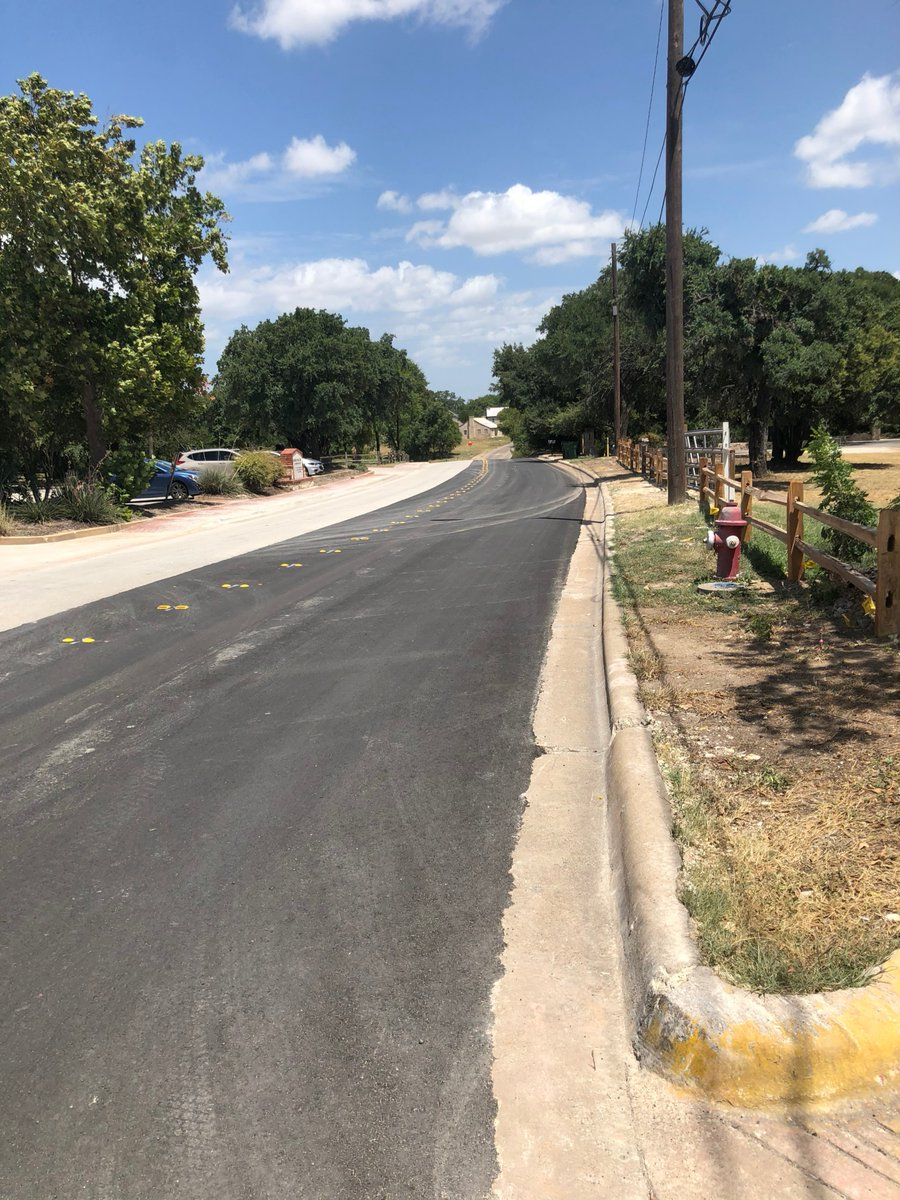 HAPPY TRAILS! After more than two weeks of construction and 500 feet of pipe laid below ground, Chisholm Trail in #RoundRock is now open to traffic.  Thank you for your patience as we continue work on the RM 620 Roundabout project. #WilCo @roundrock