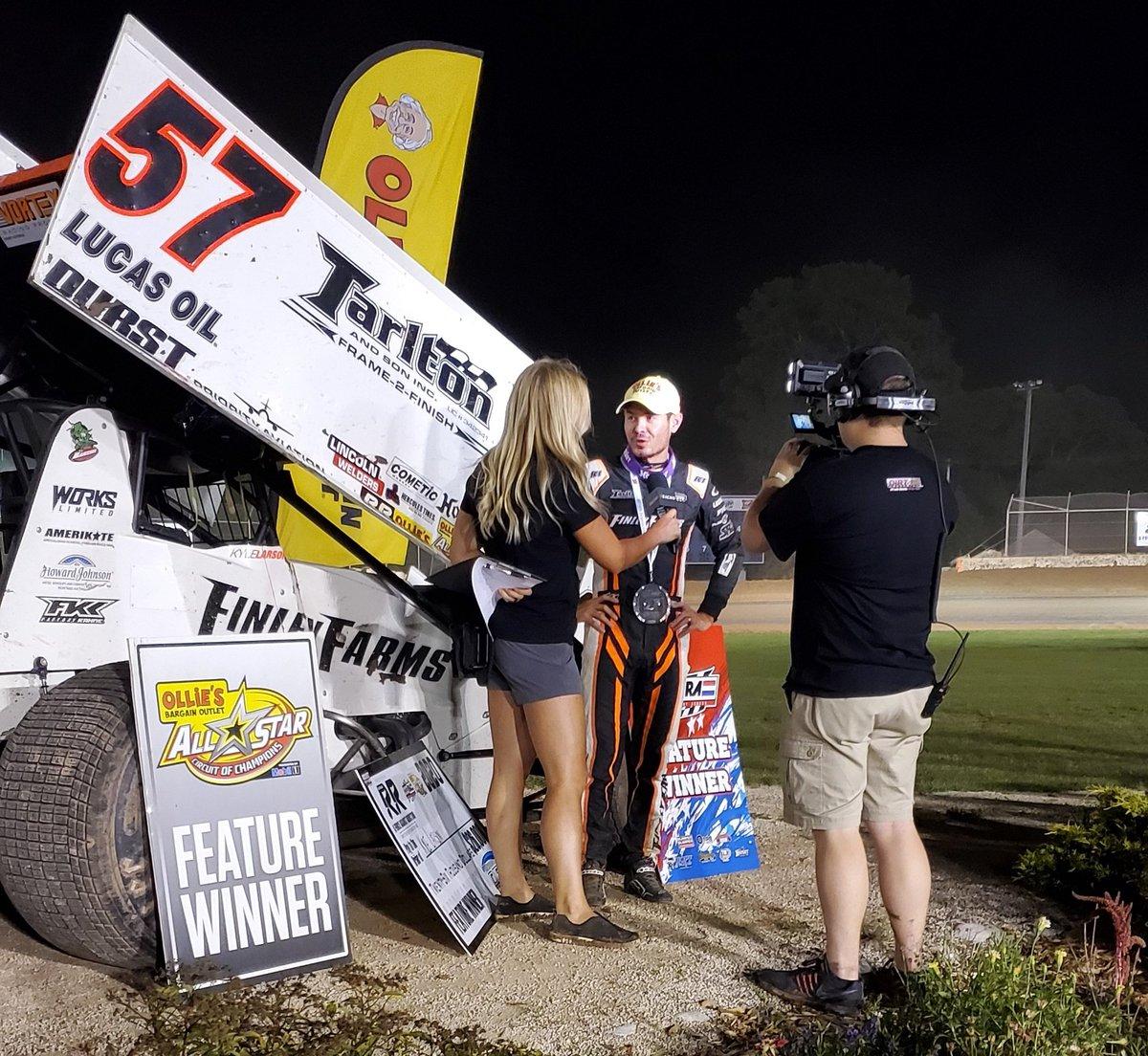 Kyle Larson wins the @RayceRudeenFdn Race worth $26,000 at Plymouth Dirt Track! #OlliesAllStars
