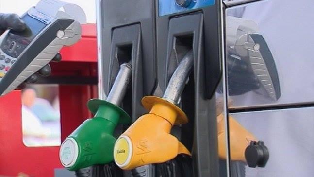 #Carburants Au 1er août 2020 ⛽️ le #SuperSansPlomb est à 1,34€/l (+3 cts) ⛽️Le #Gazole à 1,16€/l (+3 cts) La bouteille de gaz est à 18,18€ (-0,78€) 🔵 Dans l'hexagone, en juillet 2020, le #SuperSansPlomb était à 1,34€/l & le #Gazole à 1,24€/l ℹ️