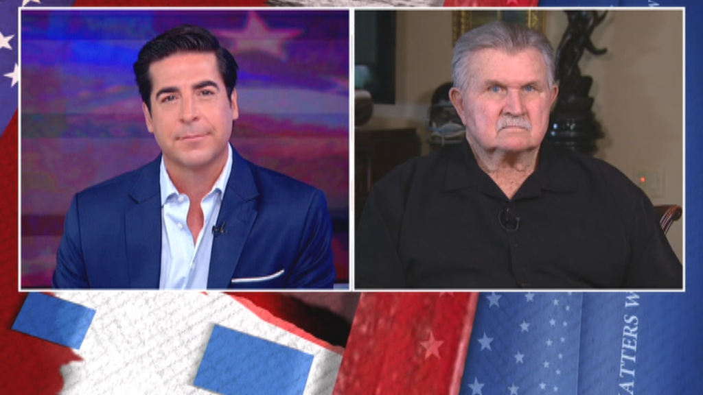 Sports is back and so is the kneeling. #MikeDitka sending a strong message to all the anthem-kneeling athletes. Hear it, tonight. #FoxNews 8PM ET.