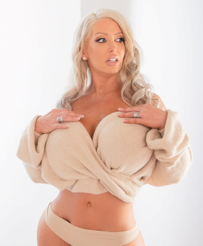 RT - #AluraJenson is  Based & Available in #LasVegas Book Now for an Introduction! #917-651-3547 /
