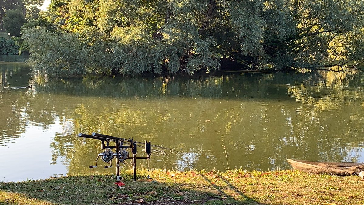 Well this is a rare sight for me on a Saturday <b>Morning</b>. #carpfishing https://t.co/YpfQOkXuwn