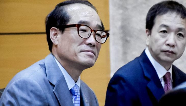 성추행 외교관 김홍곤 ^^ 이런애들만 뽑는 재앙정부 ㅎㅎㅎ