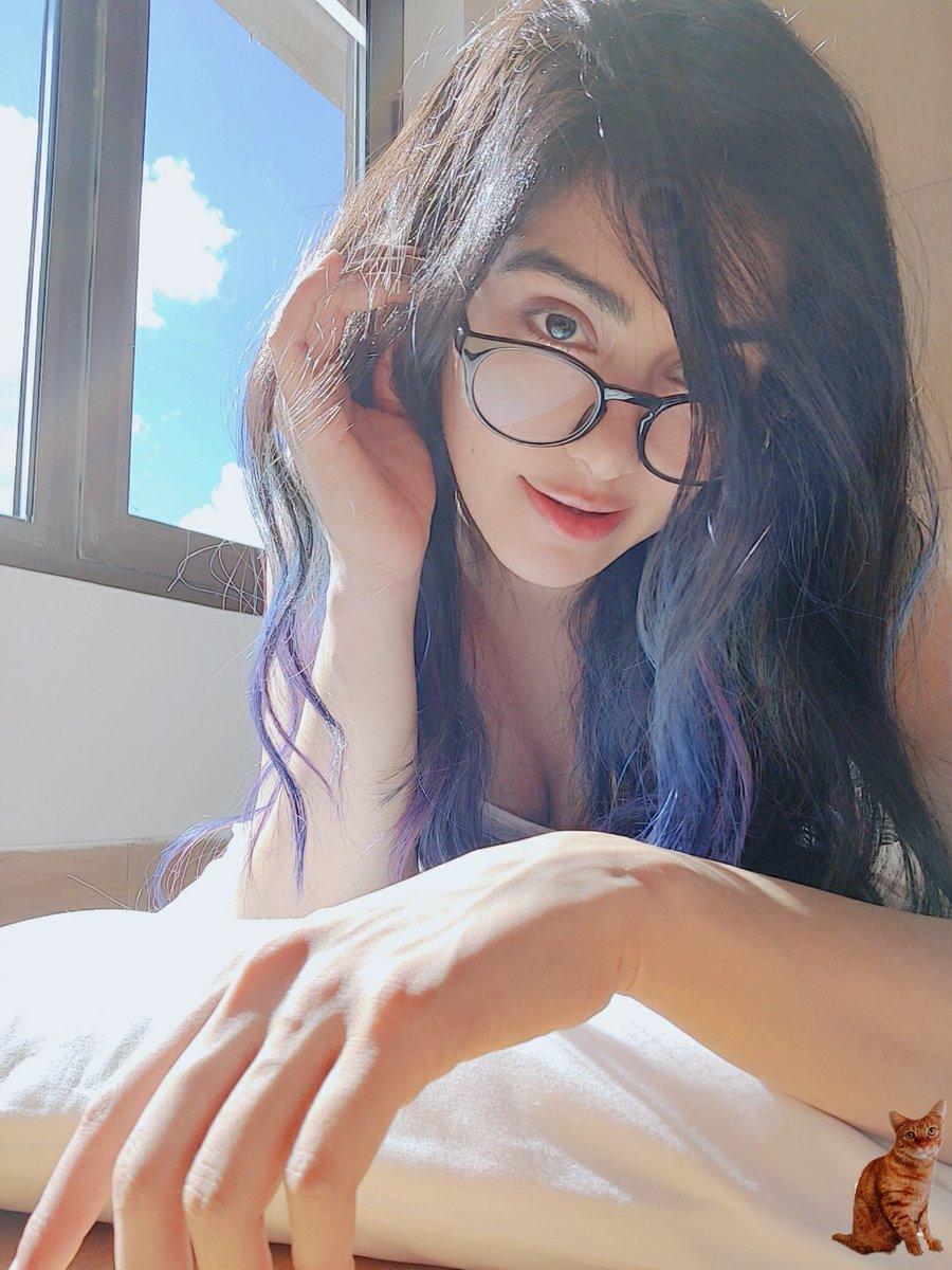 Blue hair , blue skies 💙💙💙