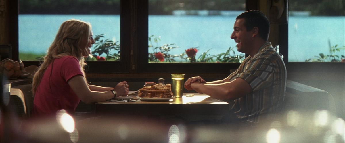 アダム・サンドラー&ドリュー・バリモアが主演した『50回目のファースト・キス』と見比べてみるのも一興。  04年公開のハリウッド版は今も多くの熱烈なファンに愛されている。   ┌☀#ネトフリお家フェス☀┐ 『50回目のファーストキス』 #ネットフリックス夏のオススメ映画