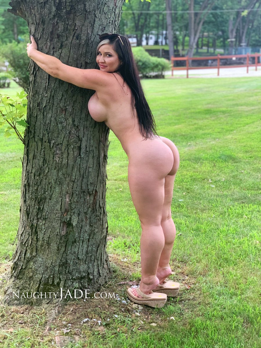 Naked Tree-Hugger 🌳 🌲😁😄