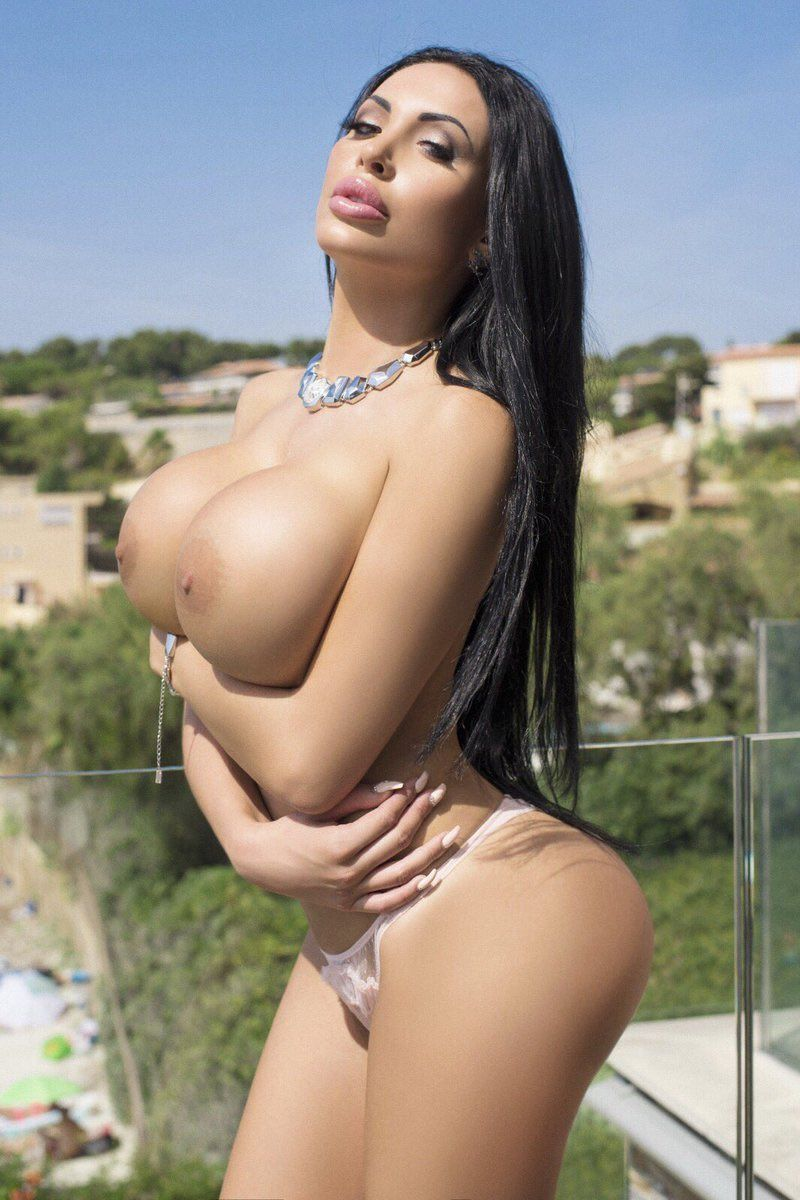 I LOVE #boobs, they are so perfect and yet so varied in all these wonderful women I post about. Take @AnastasiaDoll96, just a dazzling set of #tits this #stunning woman has 😍😍😍 Picked by me, the #boobs loving #BustyQueen